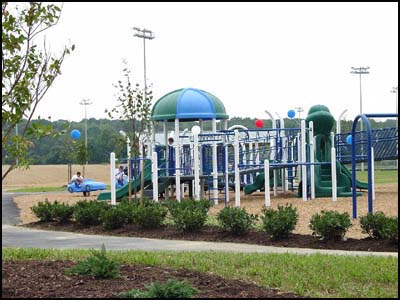 Photo of the playground at Eastern Regional Park.